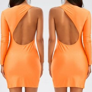 Dresses & Skirts - Show Stopping 1 Sleeve Cut Out Back Bodycon Dress